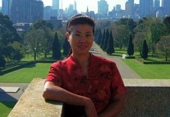 """国际志愿者、泸州外国语学校英语教师薛恩萱莫桑比克囯会教授英语,她是""""中国第一人"""""""