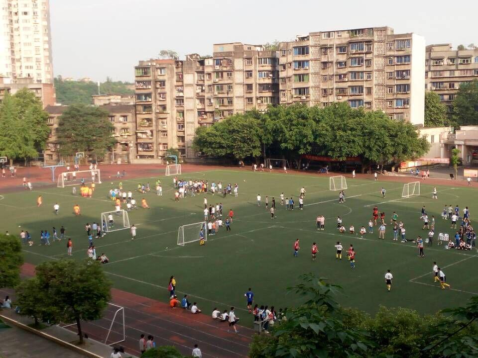 激情五月,泸外掀起足球热 ——初二年级足球比赛圆满结束